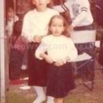 ريهام سعيد مع اختها1 150x150 شاهد صور نادرة للاعلامية ريهام سعيد وهي طفلة صغيرة مع والدها واختها مقدمة برنامج صبايا الخير