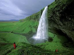 شلال Seljalandsfoss