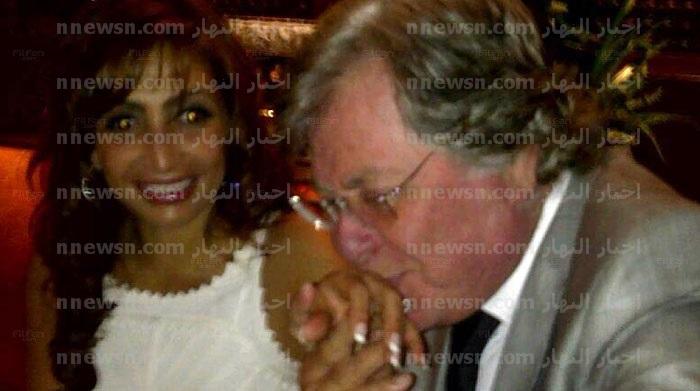 حسين فهمي وزوجته