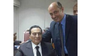 حسني مبارك 300x186 صورة حسني مبارك ببدلة بدلامن ملابس الحبس في اخر جلسات محاكمته