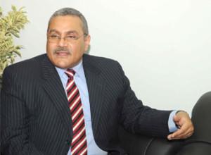 اشرف عبد الوهاب 300x220 من هو الدكتور اشرف عبد الوهاب وزير الصناعة الجديد ؟ سيرة ذاتية و معلومات ويكيبيديا