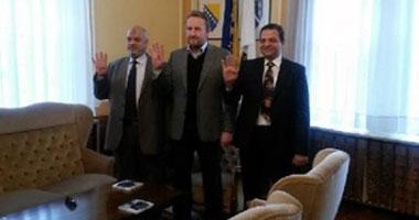 رئيس البوسنة يرفع شارة رابعة