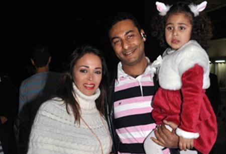 فريد المرشدي وزوجته داليا البحيري وابنتهما قسمت