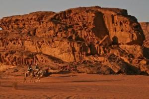 الصحراء الحمراء 2 300x200 صور و معلومات عن الصحراء الحمراء فى وادى رم في الاردن RED DESERT OF WADI RUM