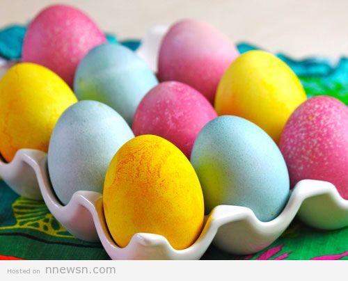 طريقة تلوين البيض بمكونات طبيعية للأحتفال بشم النسيم