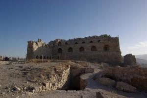 قلعة الكرك 1 300x201 صور و معلومات عن قلعة الكرك في الاردن CASTLE OF KERAK
