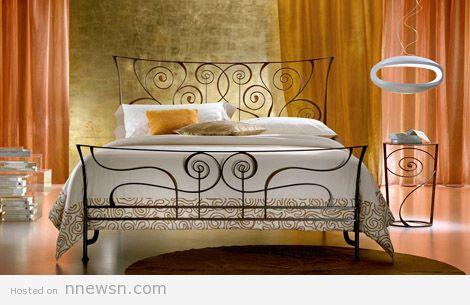 سرير حديد